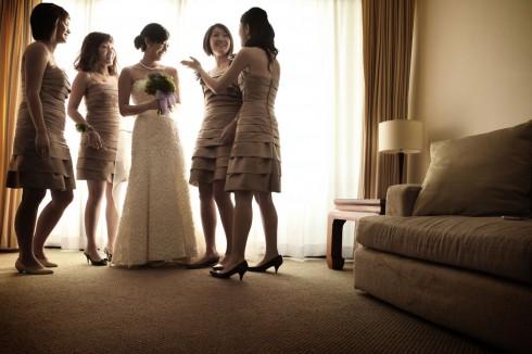 Chuẩn bị kỹ càng từ dàn phụ dâu, nhẫn cưới, các món ăn trong lễ cưới,...là một khâu quan trọng giúp bạn trở thành cô dâu xinh đẹp trong ngày này