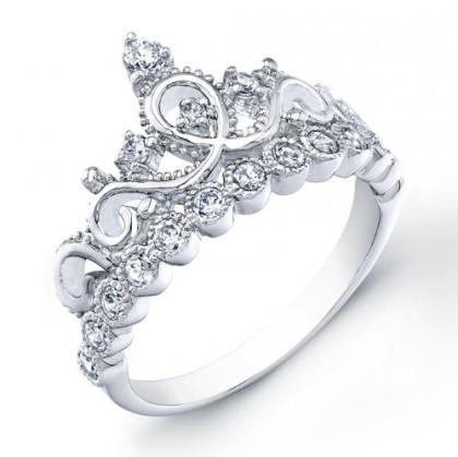 Các cô dâu yêu thích phong cách ngọt ngào nhất định sẽ chọn kiểu nhẫn vương miện này