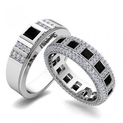 Nhẫn cưới vàng trắng thanh lịch với thạch anh đen