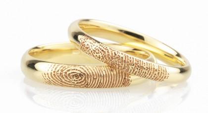 Nhẫn cưới khắc dấu vân tay của đôi uyên ương vô cùng độc đáo