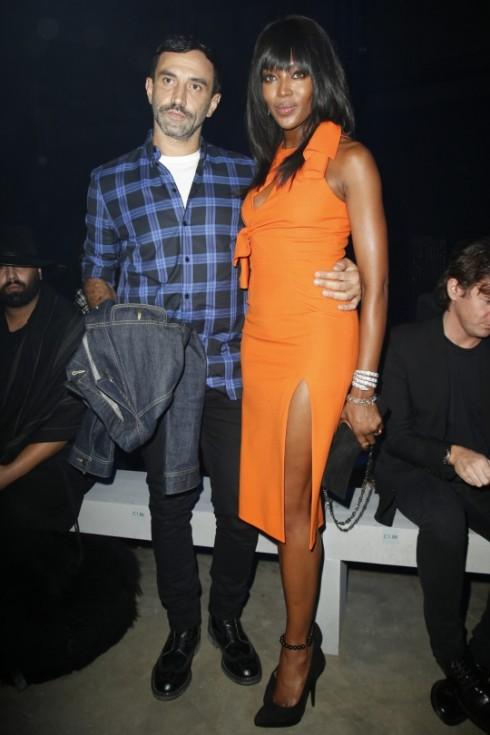Riccardo-Tisci-Naomi-Campbell-versace-show