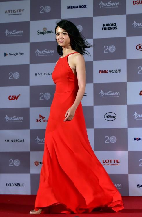 Thang Duy trên thảm đỏ Liên hoan phm quốc tế Busan