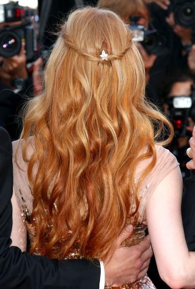 Diễn viên Jessica Chastain sử dụng kẹp làm từ kim cương của thương hiệu Chopard