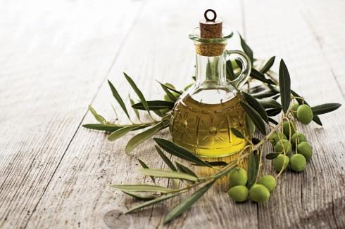 Tuyệt đối tránh sử dụng dầu olive cho da dầu và chỉ nên chọn loại dầu nguyên chất nhất