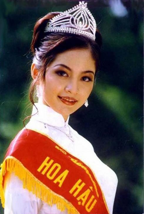 Hoa Hậu Nguyễn Thiên Nga đăng quang năm 1996