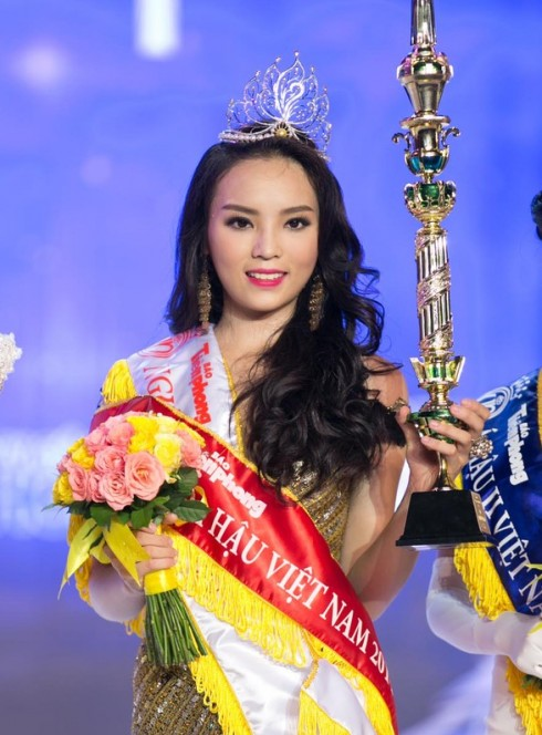 Hoa Hậu Nguyễn Cao Kỳ Duyên đăng quang năm 2014