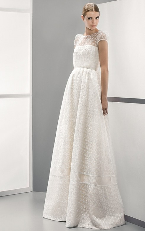 Váy cưới chữ A là lựa chọn đúng nhất cho các cô nàng có dáng quả lê