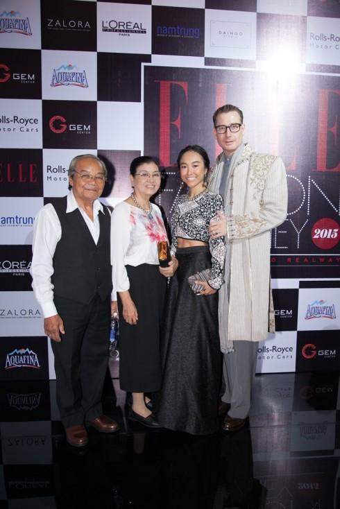 Ca sĩ Đoan Trang & Gia đình