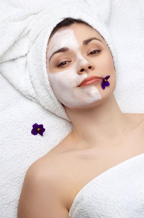 Đây sẽ là lúc bạn cần phải chuyển sang một loại sữa rửa mặt không tạo bọt, không gây ra cảm giác căng khô cho làn da của bạn.