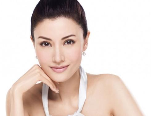 Trong độ tuổi này, bạn sẽ cần phải bổ sung thêm độ ẩm và các thành phần được tạo ra từ collagen như peptide.