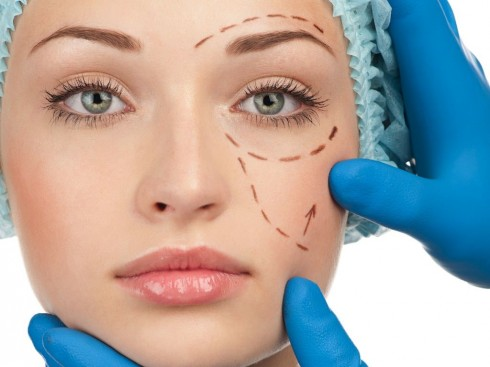 Phẫu thuật căng khóe mắt góp phần giúp gương mặt tươi sáng hơn với đôi mắt to tròn linh động