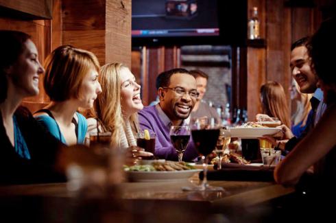 Những lợi ích khi đi chơi cùng nhóm những người bạn thân