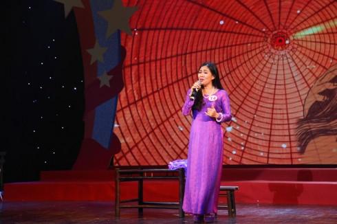 Một giọng hát tình cảm của chị Nguyễn Thị Ánh Tuyết - GĐ công ty OIC