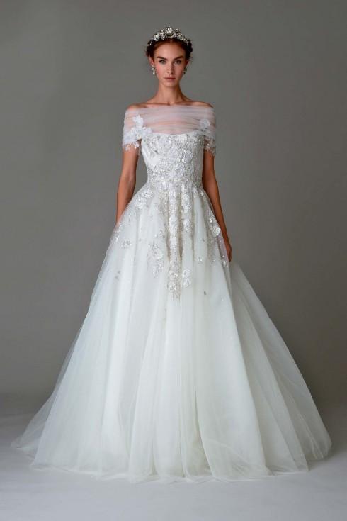 Chiếc đầm đẹp không cô dâu nào có thể từ chối.