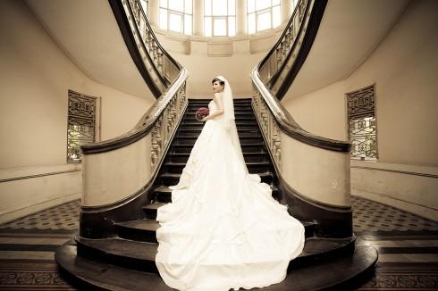 Khu cầu thang đậm chất cổ điển của bảo tàng Thành phố Hồ Chí Minh