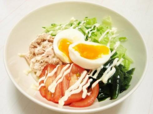 Salat mì Udon