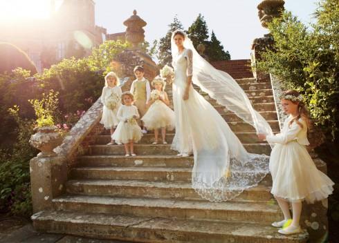 Một chiếc đầm cưới đẹp là chiếc đầm cưới tôn lên được vẻ đẹp đích thực của cô dâu.