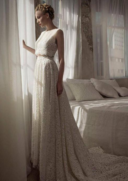 Kiểu đầm hai mảnh đang là xu hướng áo cưới mùa Thu-Đông 2016.