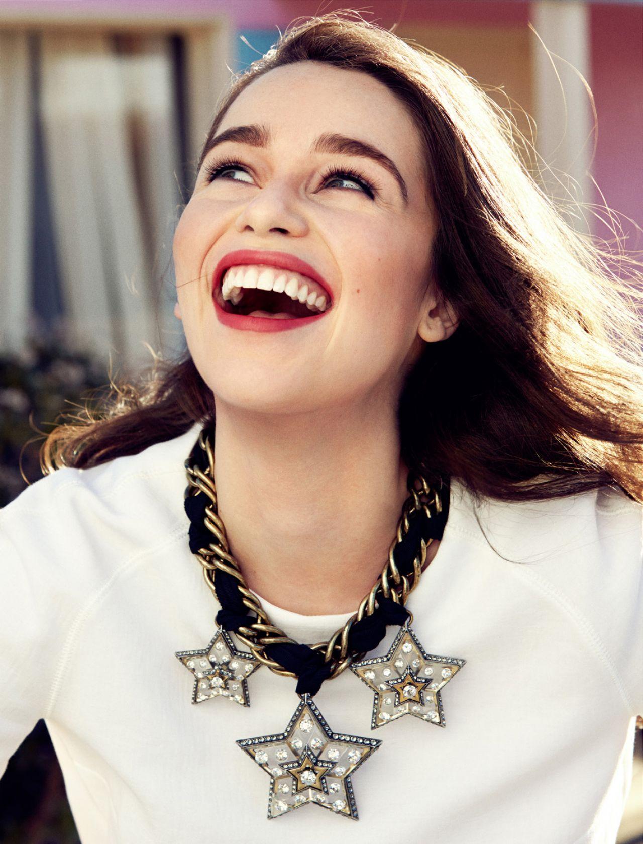 Những điều chưa biết về Emilia Clarke - Mỹ nhân của năm 2015