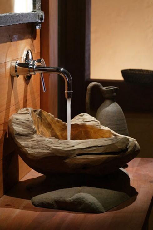 Ngày nay, với kỹ thuật gia công tiên tiến, các nhà sản xuất có thể hạn chế tối đa khả năng thấm nước của gỗ, khiến cho vật liệu này dễ dàng sử dụng trong phòng tắm hay nhà vệ sinh.