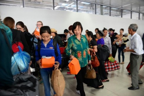 Nhân dịp ngày Phụ nữ Việt Nam 20.10, hãng hàng không giá rẻ Jetstar Pacific dành tặng hàng trăm phần quà cho hành khách trong chuyến bay ngày 19/10 và 20/10.