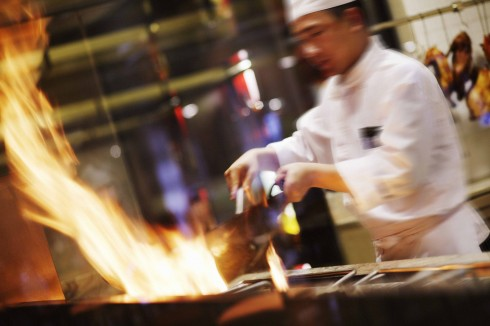 Các món ăn đều được chế biến từ các nguyên liệu tươi ngon nhất dưới bàn tay tài hoa của các đầu bếp