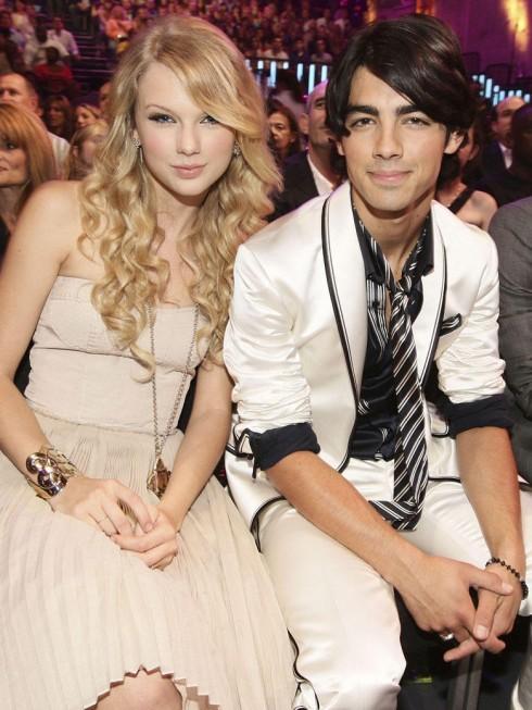 Joe Jonas, bạn trai đầu tiên của Taylor Swift được báo chí biết đến