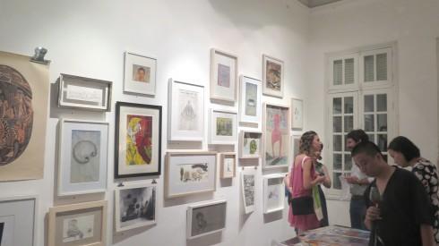 Khách tham quan hội chợ Art For You