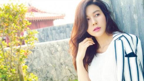 nữ diễn viên Kim Ha Neul sắp đám cưới 4 - elle vietnam