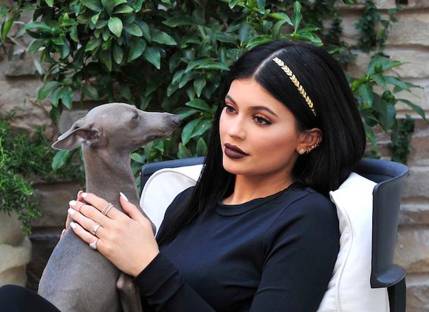 Kylie Jenner lăng xê trào lưu hình xăm cho tóc mới nhất
