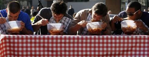 """""""Pasta eating contest"""" - Cuộc thi ăn mỳ sẽ được tổ chức trong khuôn khổ của lễ hội. Ảnh: St"""