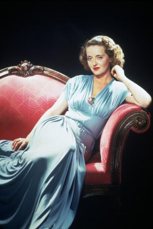Bette Davis, 1943