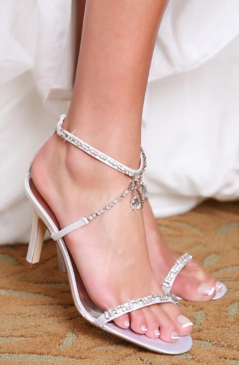 Dành thời gian rảnh buổi tối để thử giày sẽ giúp bạn chọn size chính xác hơn