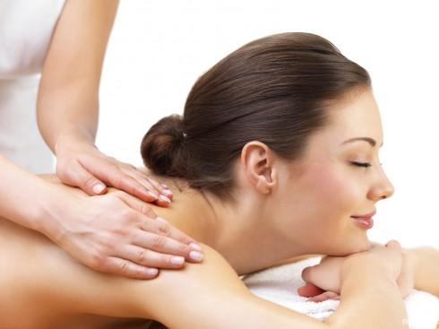 Xoa là một trong những kỹ thuật massage cơ bản nhất, và được sử dụng nhiều nhất