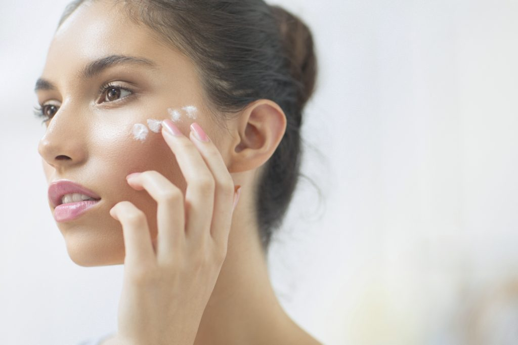 Bí quyết giúp bạn sử dụng kem dưỡng da đúng cách