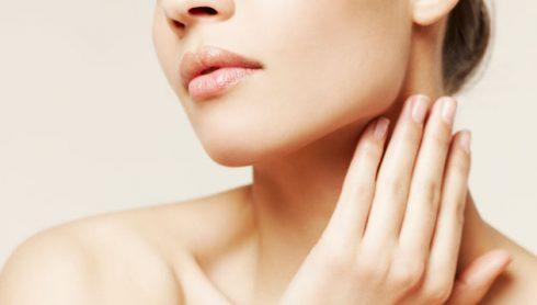 dưỡng da mặt và cổ