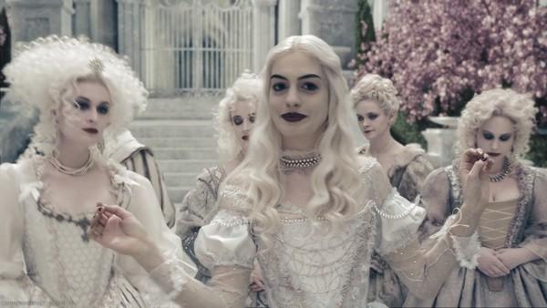 Alice in Wonderland (2010)3