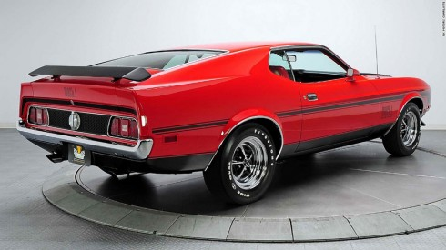 Ford Mustang Mach 1 trong Diamond Are Forever (1971).