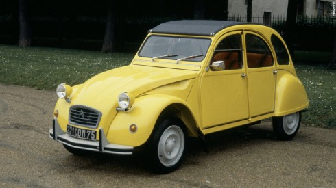 Citroen 2CV trong For Your Eyes Only (1981).