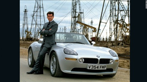 BMW Z8 trong Tomorrow Is Not Enough (1999).