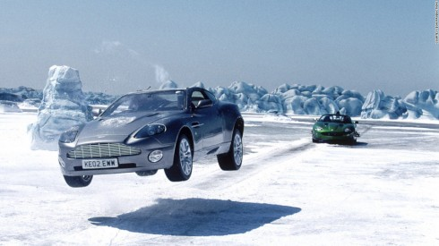 Aston Martin Vanquish trong Die Another Day (2002).