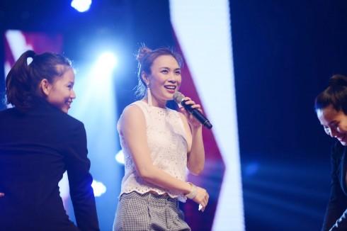 Hình ảnh mới nhất của Họa mi trong chương trình biểu diễn của riêng cô vừa được tổ chức gần đây