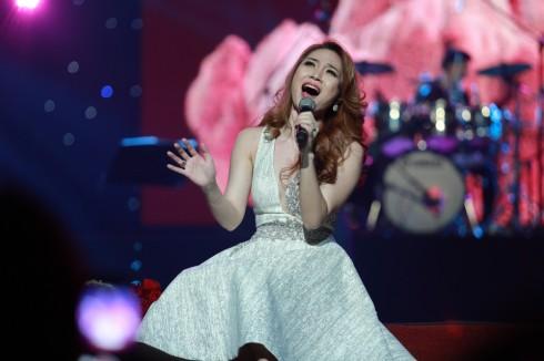 Mỹ Tâm vừa thực hiện đêm ca nhạc của riêng mình dành tặng cho phụ nữ và người hâm mộ Hà Nội