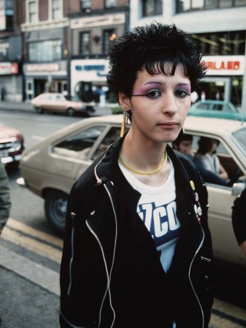 Thời trang bắt đầu có biến chuyển từ sự trỗi dậy của phong cách grunge vào năm 1992.