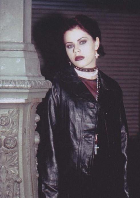 Phong cách goth trong phim The Craft.