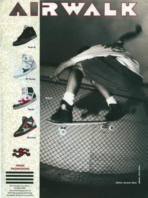 Một trong các kiểu giày skater phổ biến thời đó.