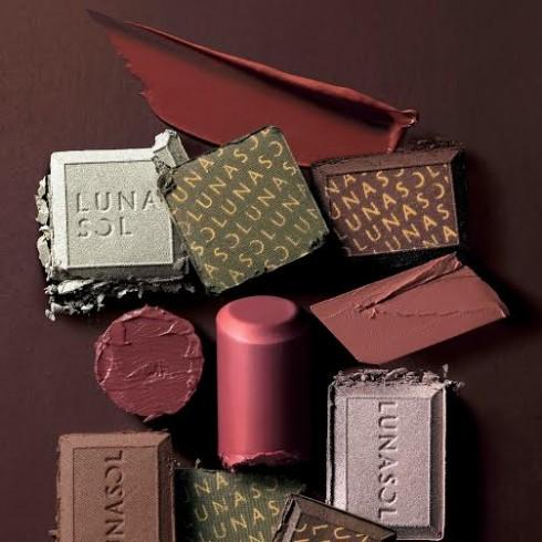 Những thỏi son mang màu của các thanh Chocolate nồng ấm Từ Lunasol
