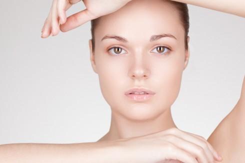 Nhau thai cừu có tác dụnglàm mờ các nếp nhăn, sáng sắc tố da và cải thiện màu da một cách tự nhiên, cải thiện tính đàn hồi của da và tăng cường kết cấu da.
