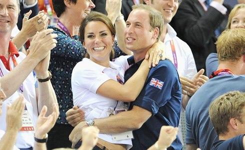 Chuyện tình ngọt ngào của Hoàng tử William và Công nương Kate