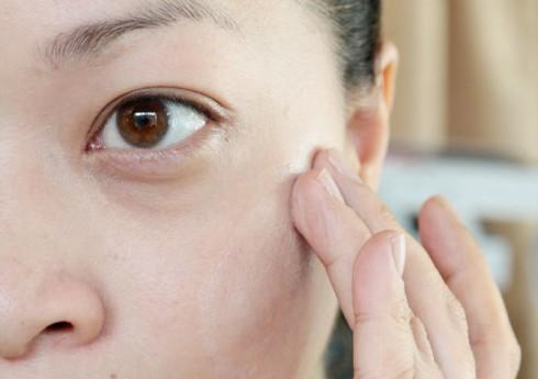 Kem lót tạo lớp mỏng giúp làn da của bạn được tươi sáng